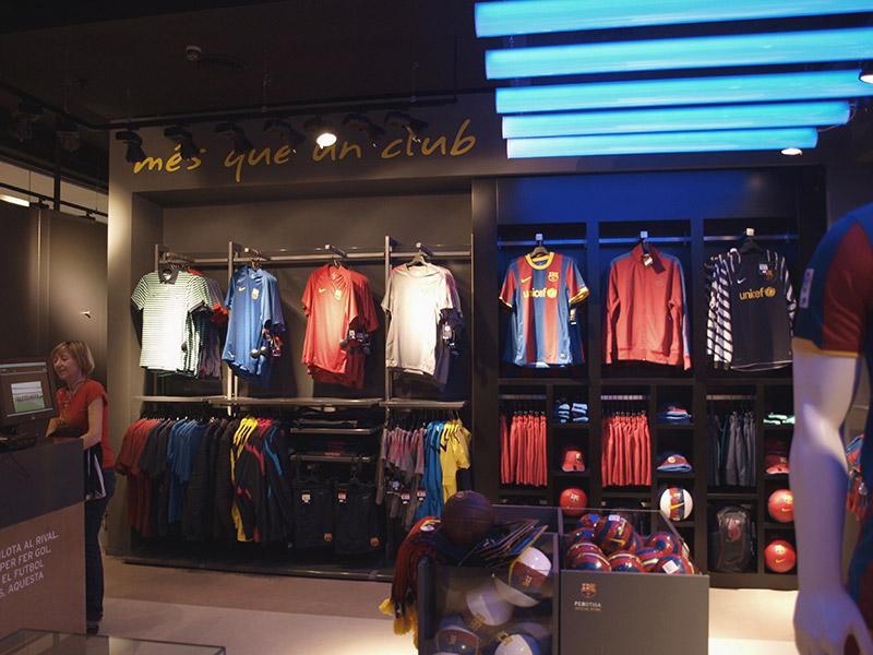 Reforma interior tienda FCB Maremagnum
