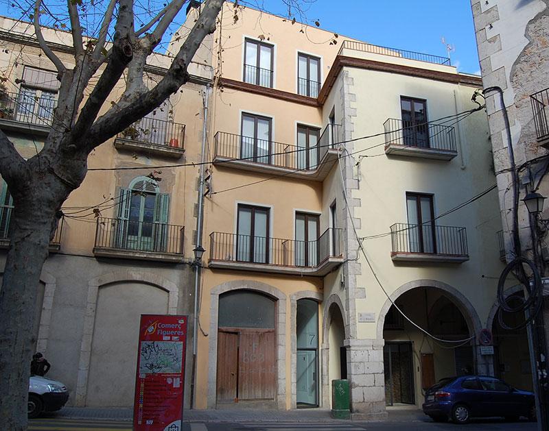 Rehabilitación fachada edificio Figueres