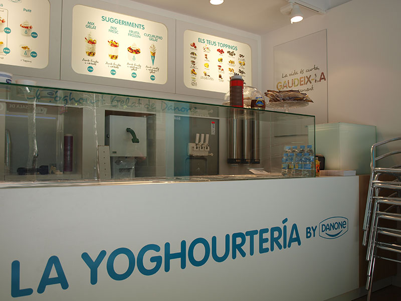 Detalle Yoghourtería Danone en Poblenou