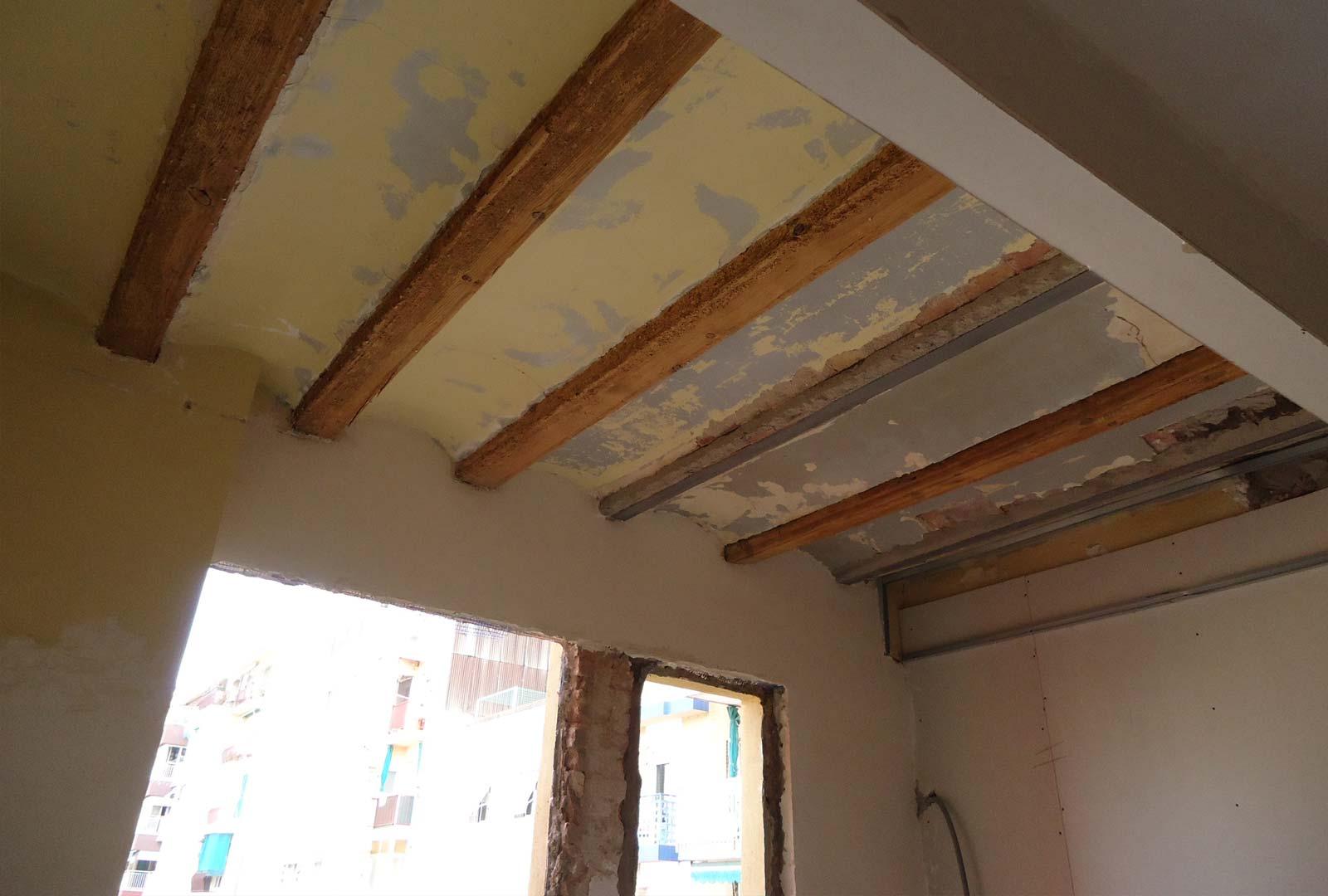 Rehabilitación bigas de madera / rehabilitación bigues de fusta